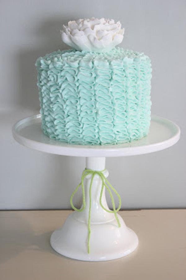 2011-05 Ashlee's baby shower cake_resize